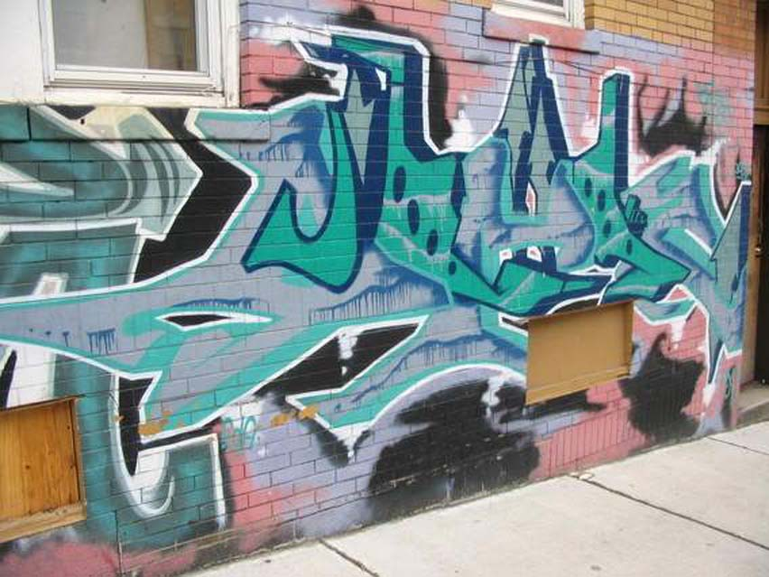 persuasive essay graffiti art Update: i recently gave a persuasive speech on graffiti and how it is, to me, art what do you think yes, if it's gang related, it is vandalism but, graffiti has been found in caves and on the walls of pyramids.